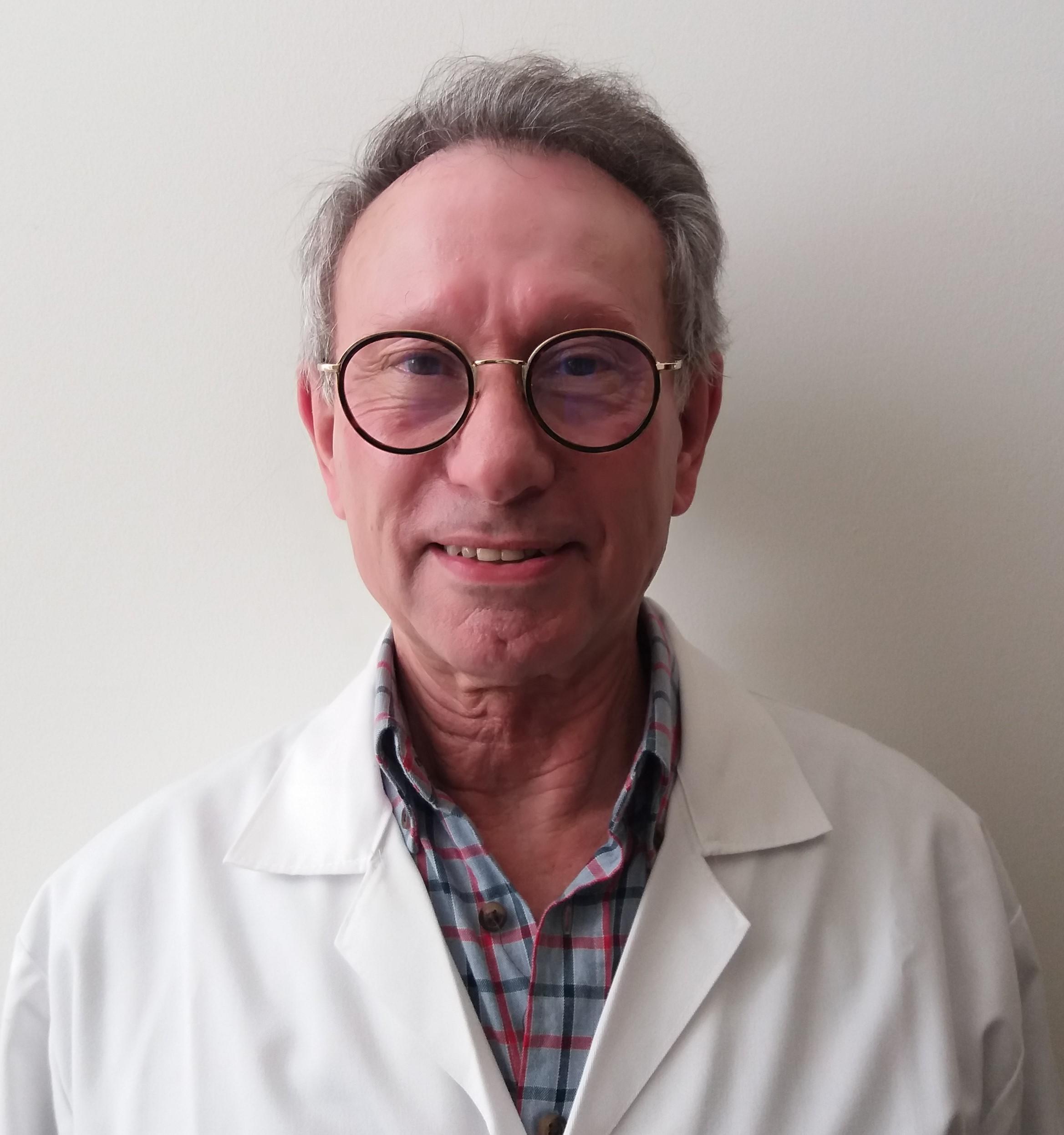 Dr. Ernestino Caniço